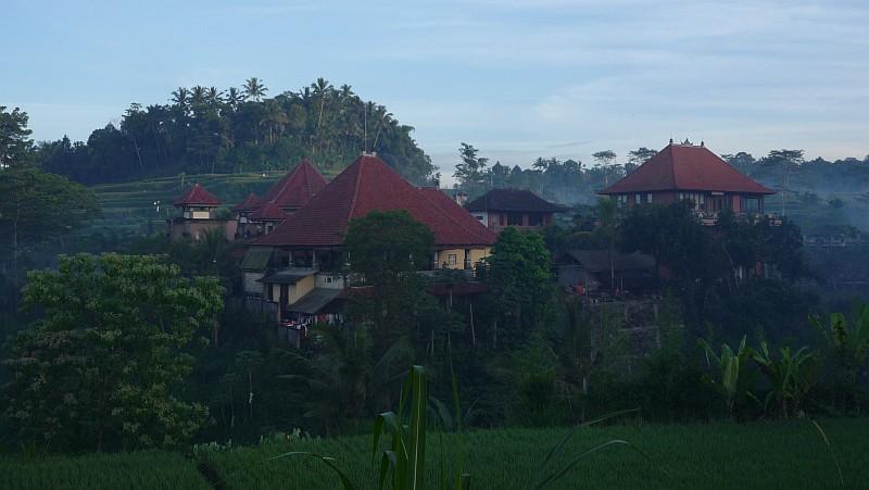 Az Ashram Bali szigetének mélyén, hajnalban