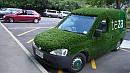 Egy kertgondozó cég szolgálati autója Aucklandben. Ezzel nem kell csajozni.