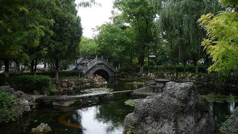 Dali tavait és csatornáit a Cangshan patakjai táplálják