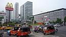 A fõvárosban közel húszezer motoros taxi, azaz bajaj üzemel. Többségük kétütemû.