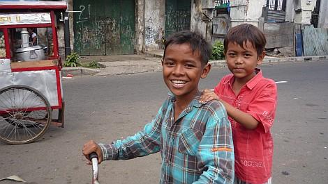 Dzsakartai gyerekek - nézze meg nagyban is!