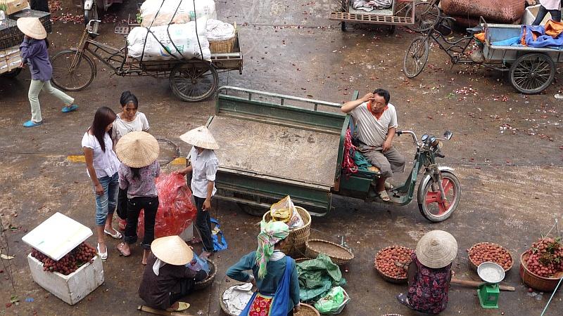 Kínai piac, esõ után