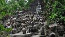 A Titkos Buddha Kert kõszobrai.