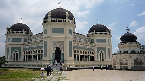 Medan egyik építészeti remeke, a Mesjid Raya - nézze meg nagyban is!