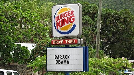 Barack Obama választási gyõzelmét hirdetõ tábla Szt. Martin szigetén - nézze meg nagyban is!
